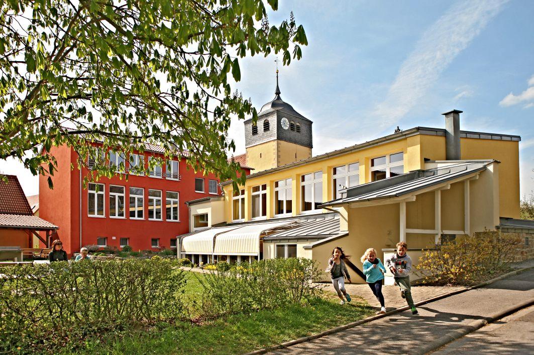 schullandheim_aussenansicht_kerstin_junker_presse